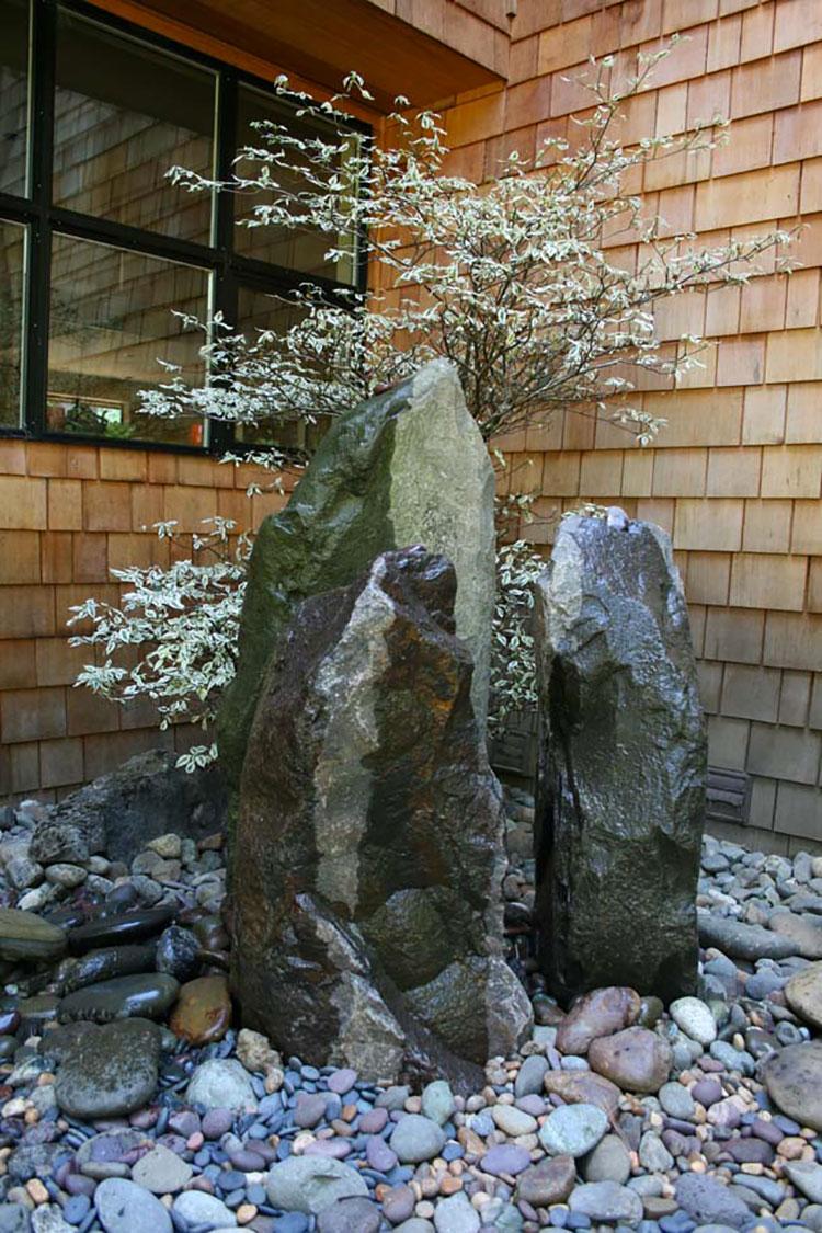 Giardino zen con pietra taido