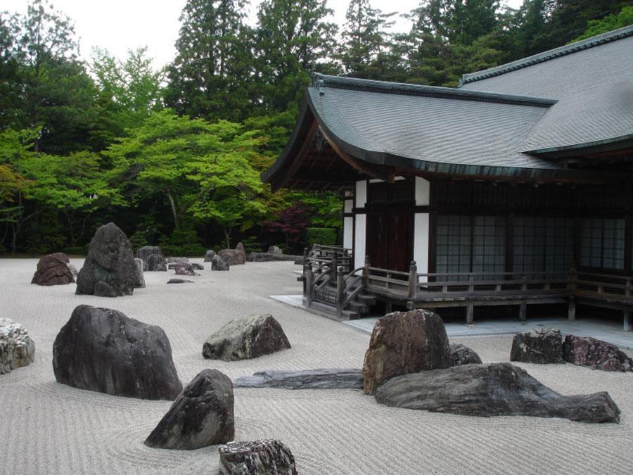 Giardino zen significato e utilizzo degli elementi for Pietre per giardino zen
