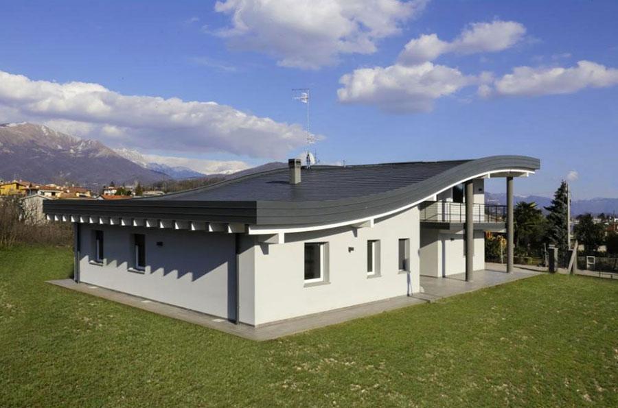 Progetto di casa in legno in Friuli di WLT Costruzioni