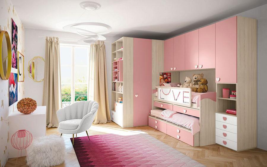 Idee per arredare una cameretta rosa a ponte n.03