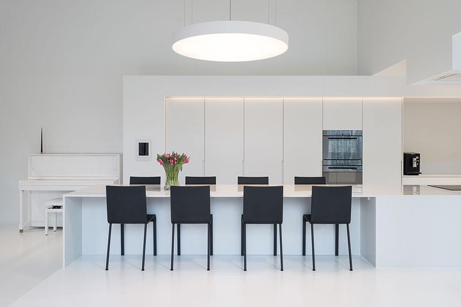 Idee per arredare una casa total white n.17