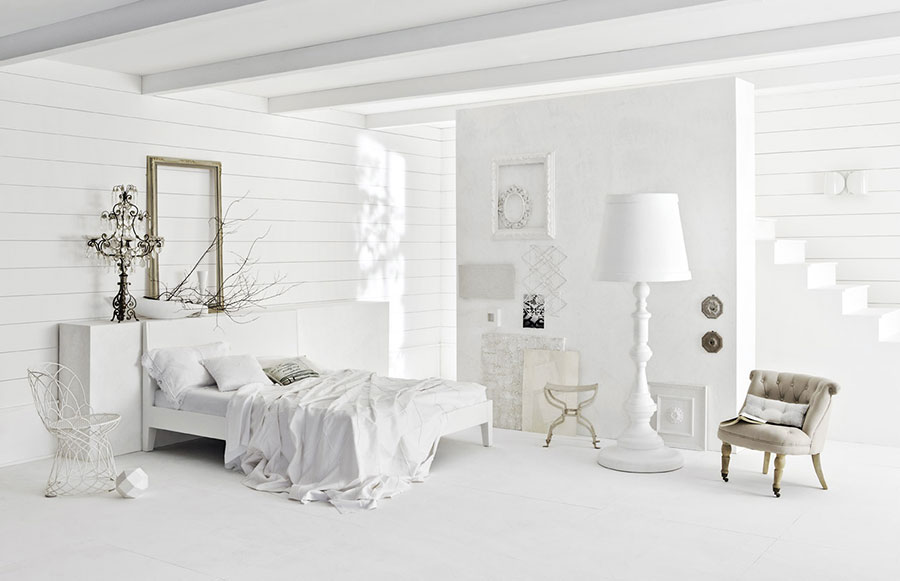 Idee per arredare una camera da letto bianca classica n.06