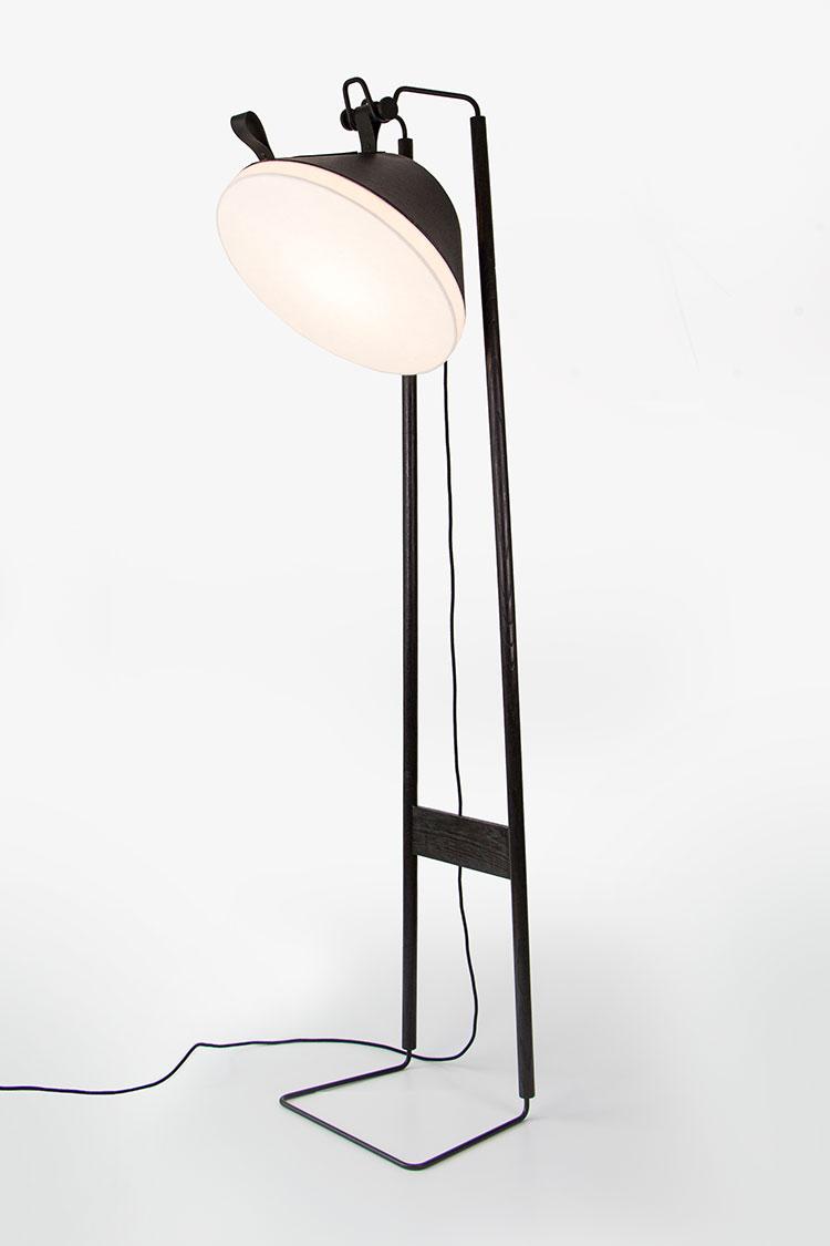 Lampada da lettura di design Chêne Brûlé di Kngb