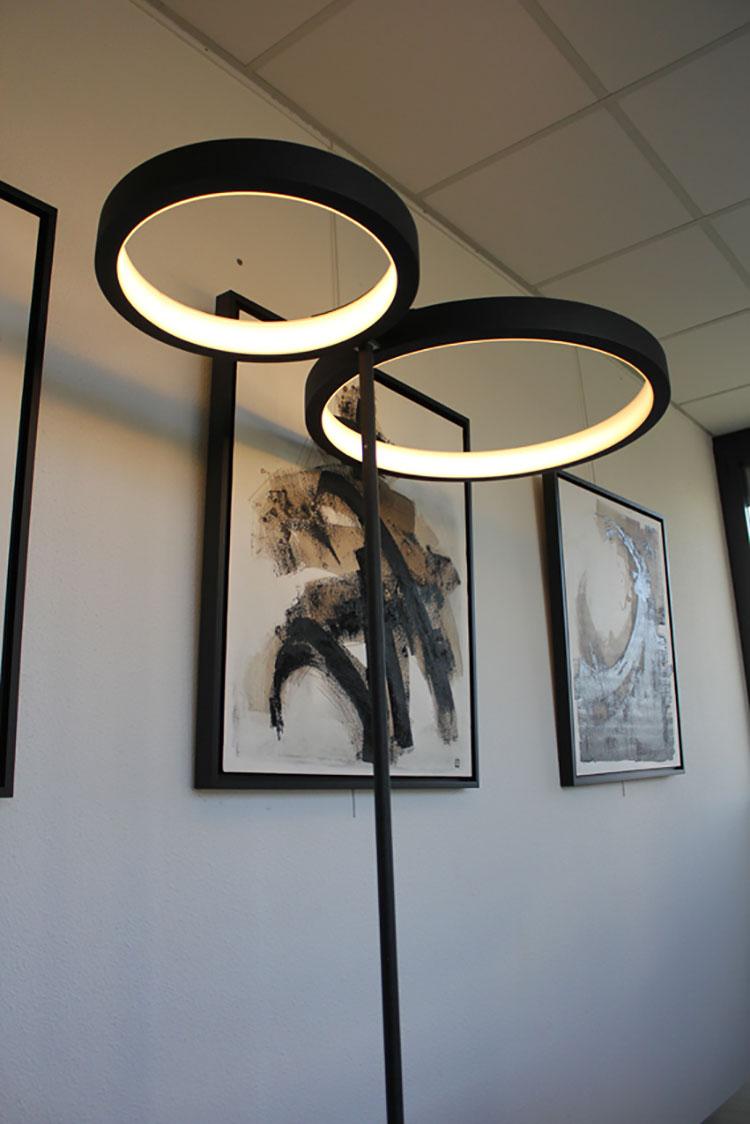 Lampada da lettura di design Circline di Essi