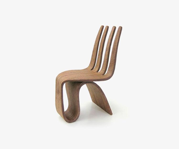 Poltrona di design Seniora Fork Chair di Ignacio Ruiz