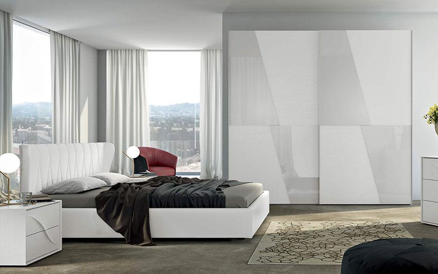 20 idee per arredare una camera da letto bianca e grigia - Specchi moderni per camera da letto ...