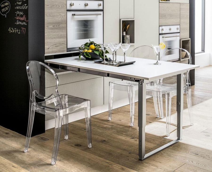 20 cucine con tavolo estraibile a scomparsa - Tavolo per cucina piccola ...