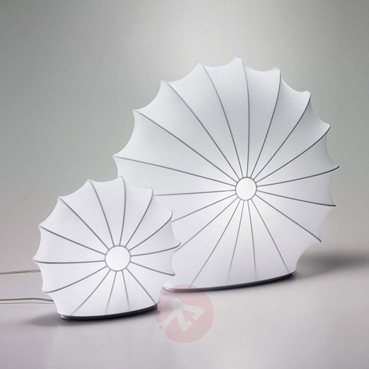 Modello di lampada da tavolo dal design particolare n.01
