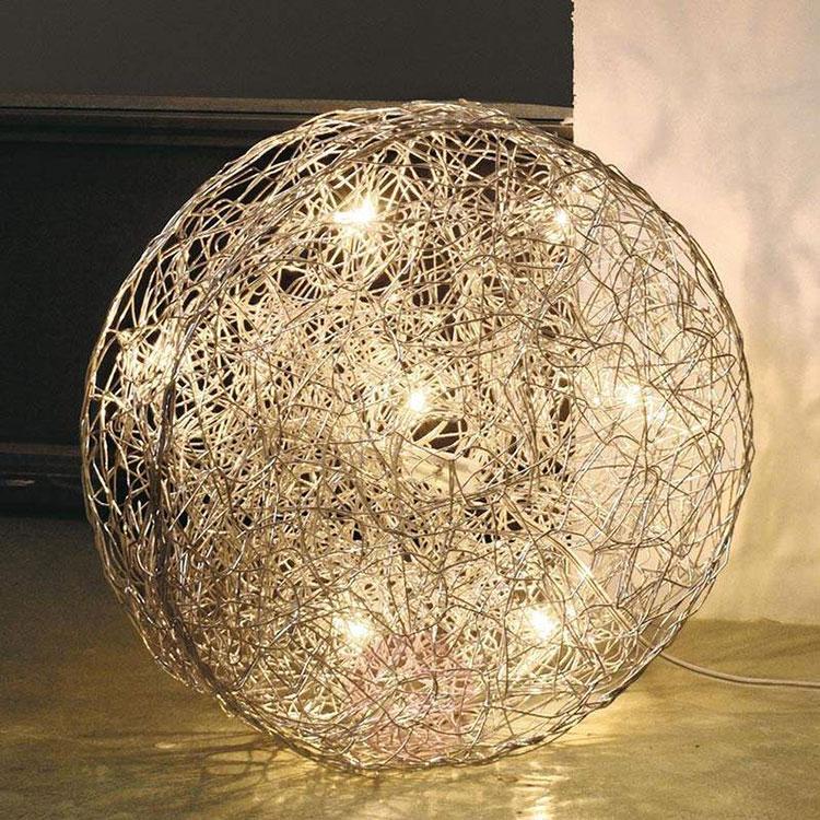 Modello di lampada da tavolo dal design particolare n.03