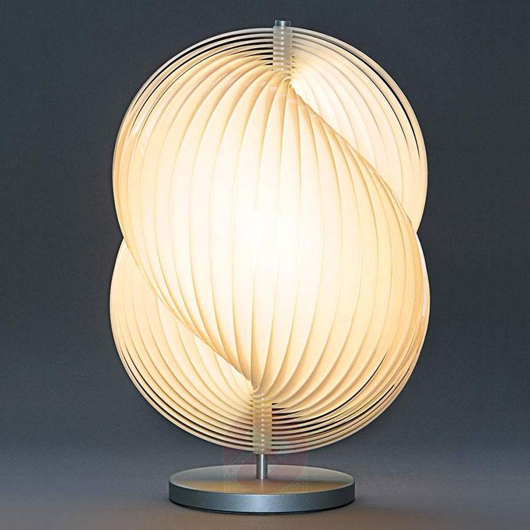 Modello di lampada da tavolo dal design particolare n.04