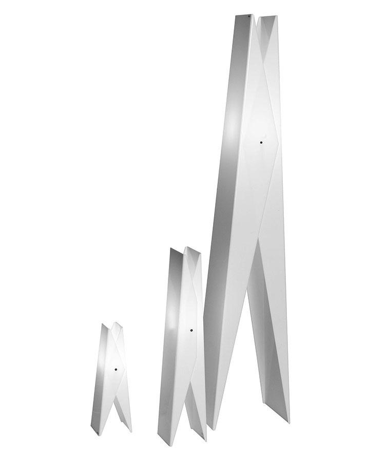 Modello di lampada da tavolo dal design particolare n.09