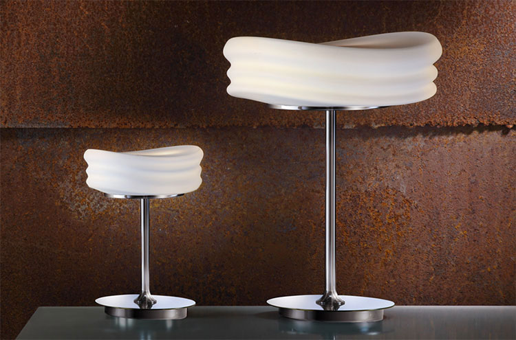 Modello di lampada da tavolo dal design particolare n.16