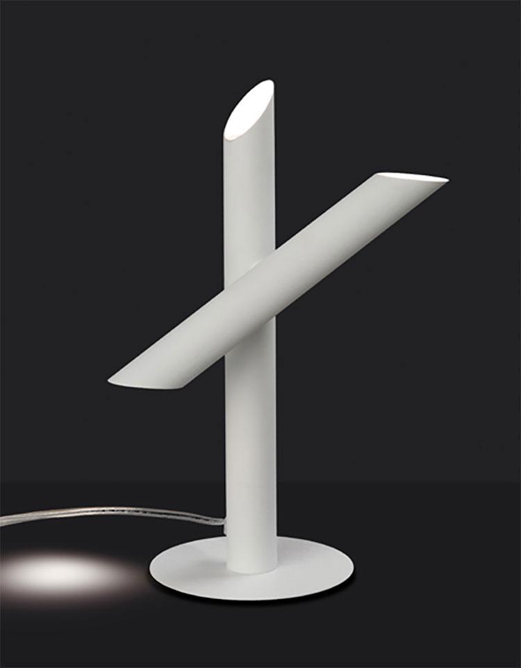 Modello di lampada da tavolo dal design particolare n.21