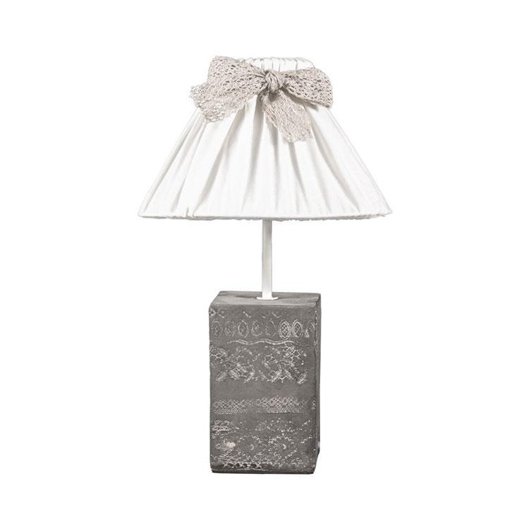 Modello di lampada da tavolo shabby chic n.03