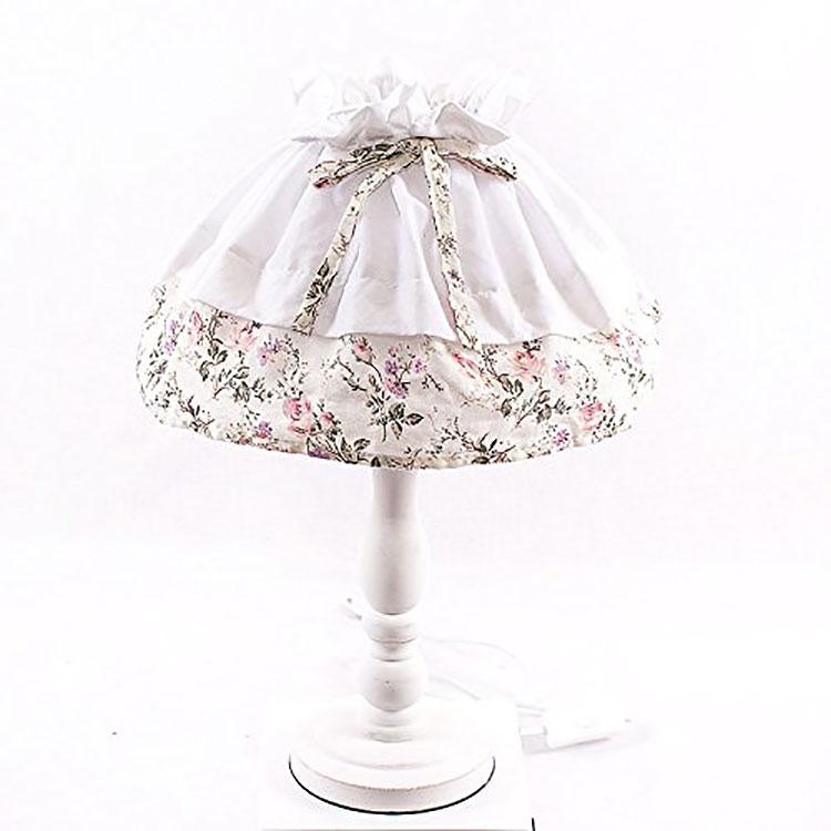 Modello di lampada da tavolo shabby chic n.16