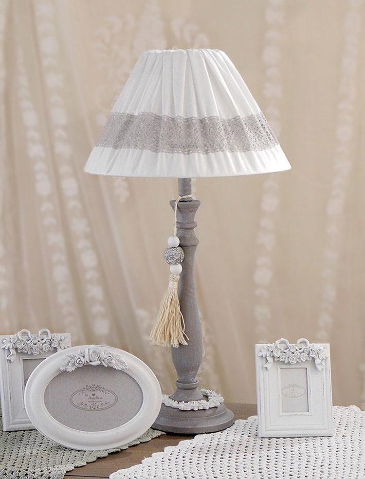 Modello di lampada da tavolo shabby chic n.23