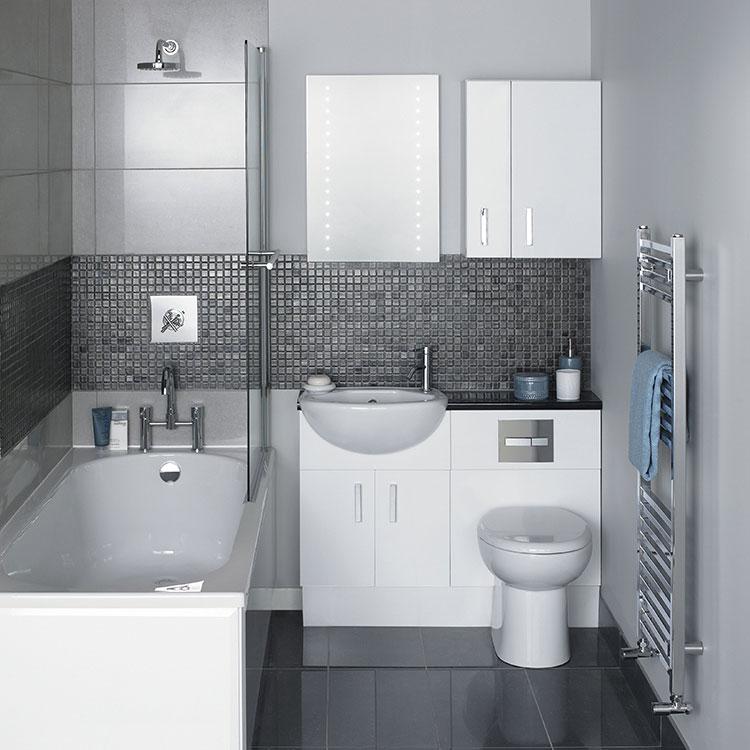 Progetto di bagno piccolo con vasca n.33