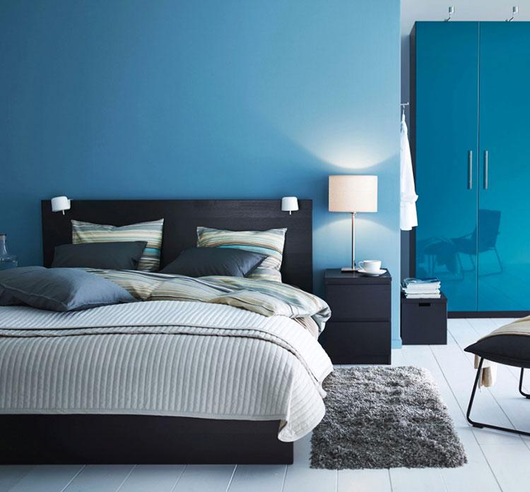Camera da letto nella sfumatura blu petrolio n.3