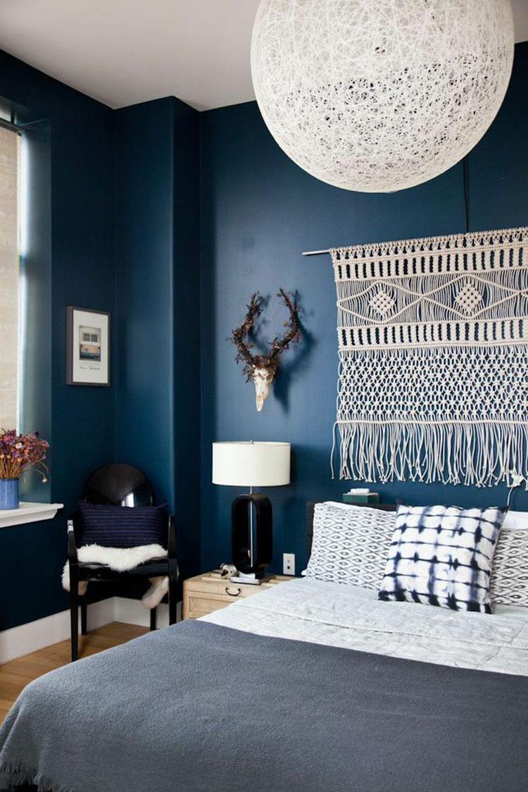 Camera da letto nella sfumatura blu cobalto n.1