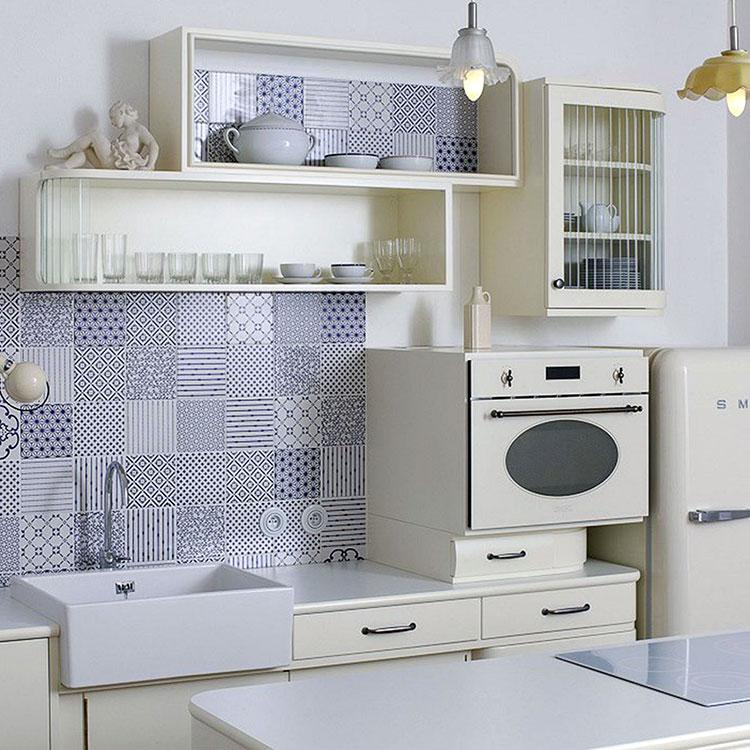 Idee per rivestimenti con cementine in cucina n.08