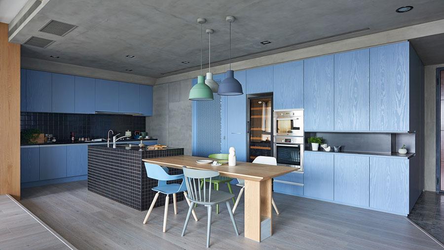 Idee per arredare una cucina blu n.02