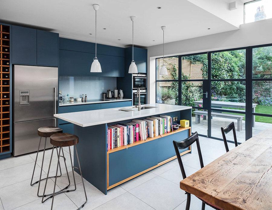 Idee per arredare una cucina blu n.05