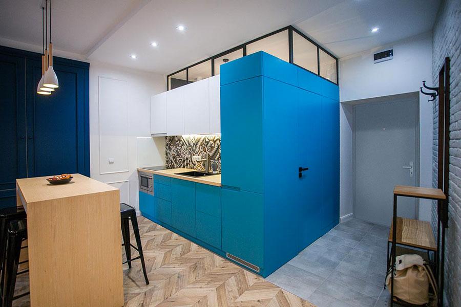 Idee per arredare una cucina blu n.07