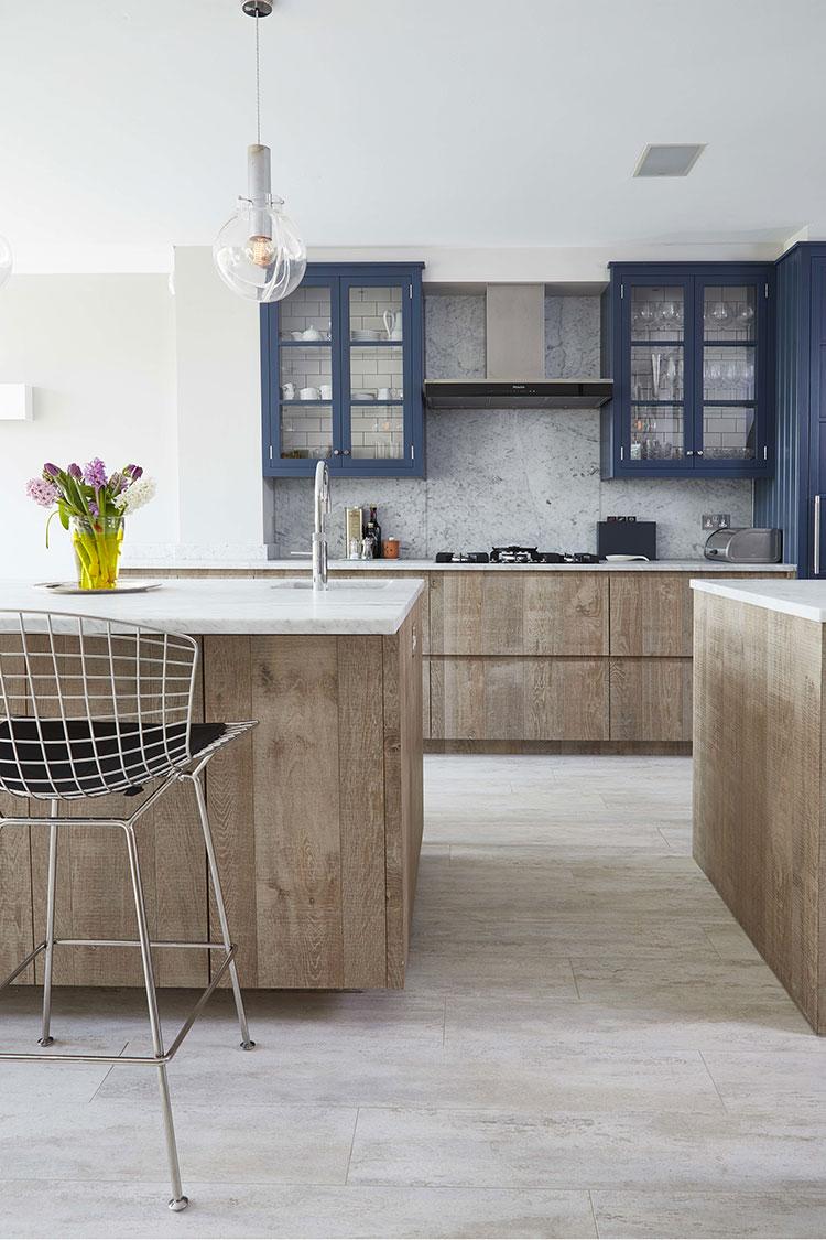 Idee per arredare una cucina blu n.24