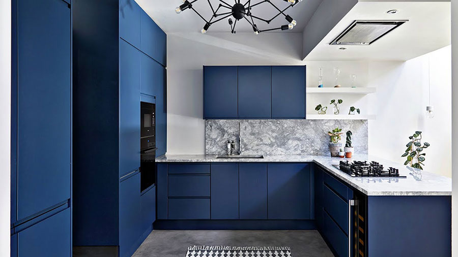 Idee cucina blu cobalto n.01