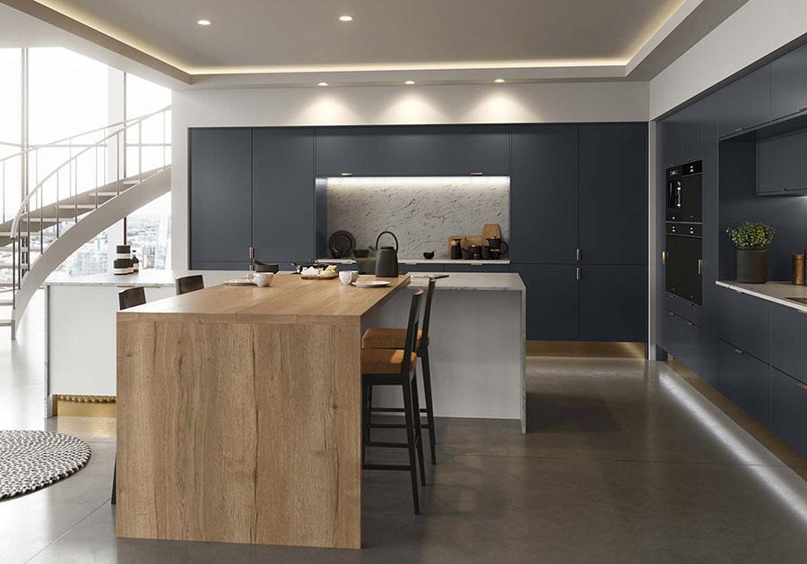 Idee cucina blu e legno n.03