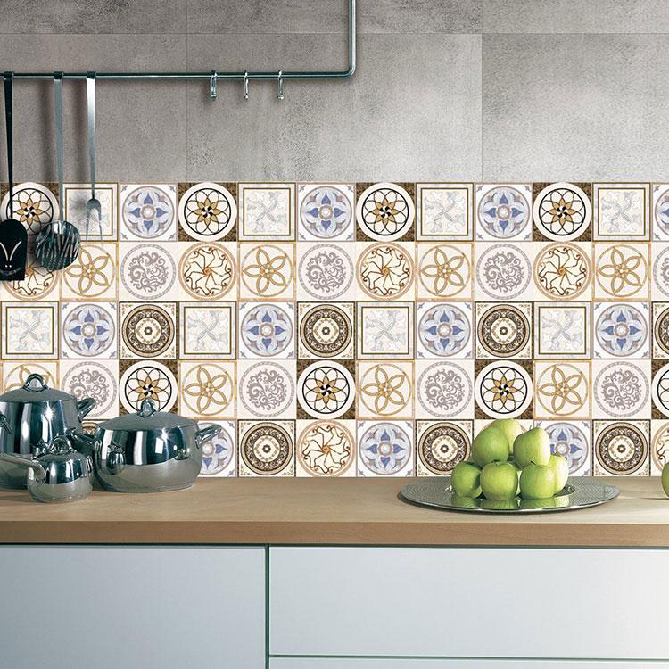 Modello di piastrelle adesive per cucina effetto cementine n.14