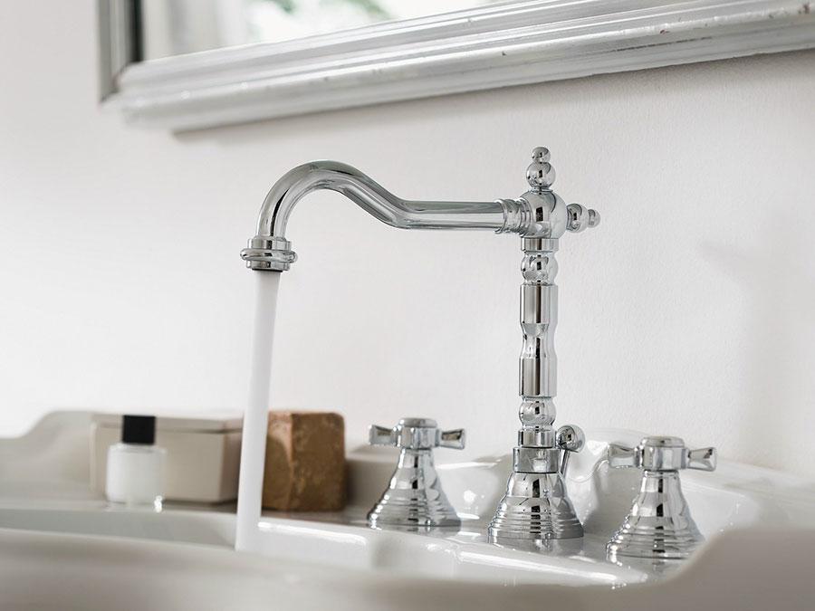Modello rubinetto bagno vintage n.01