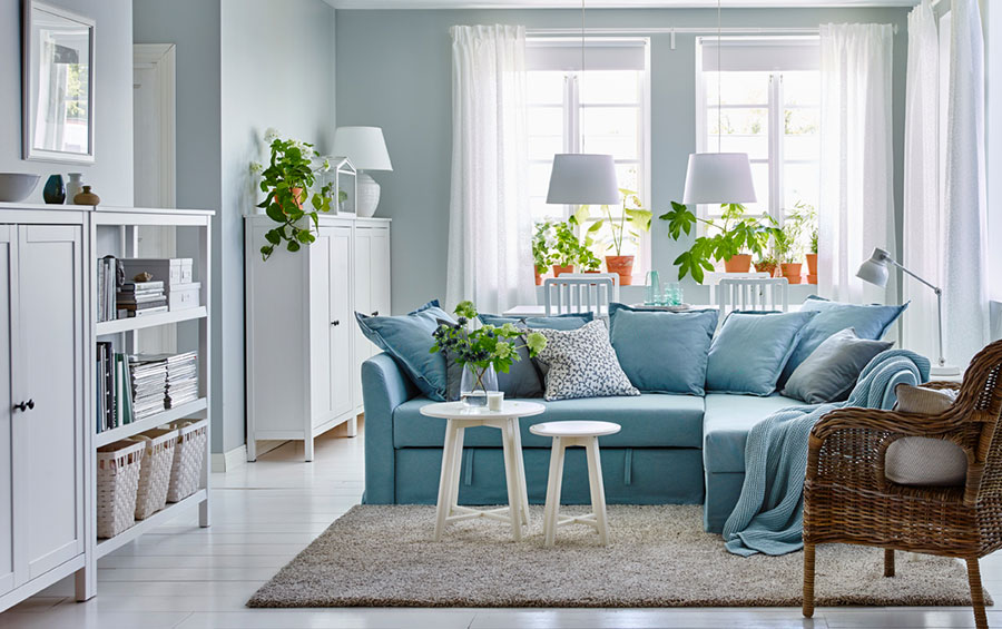 Idee per arredare un soggiorno con Ikea in stile classico moderno n.4