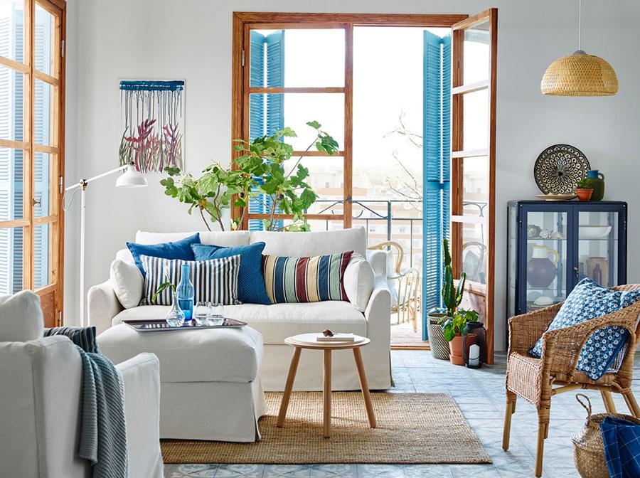 Idee per arredare un soggiorno con Ikea in stile classico moderno n.5