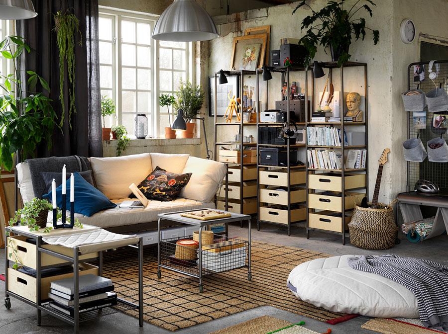 Idee per arredare un soggiorno con Ikea in stile industriale n.1