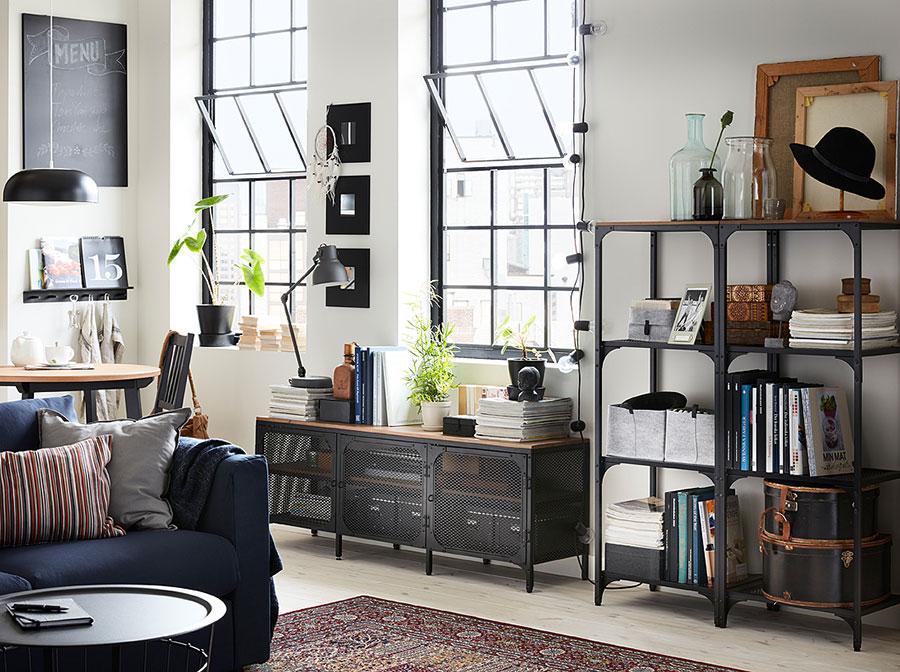 Idee per arredare un soggiorno con Ikea in stile industriale n.2