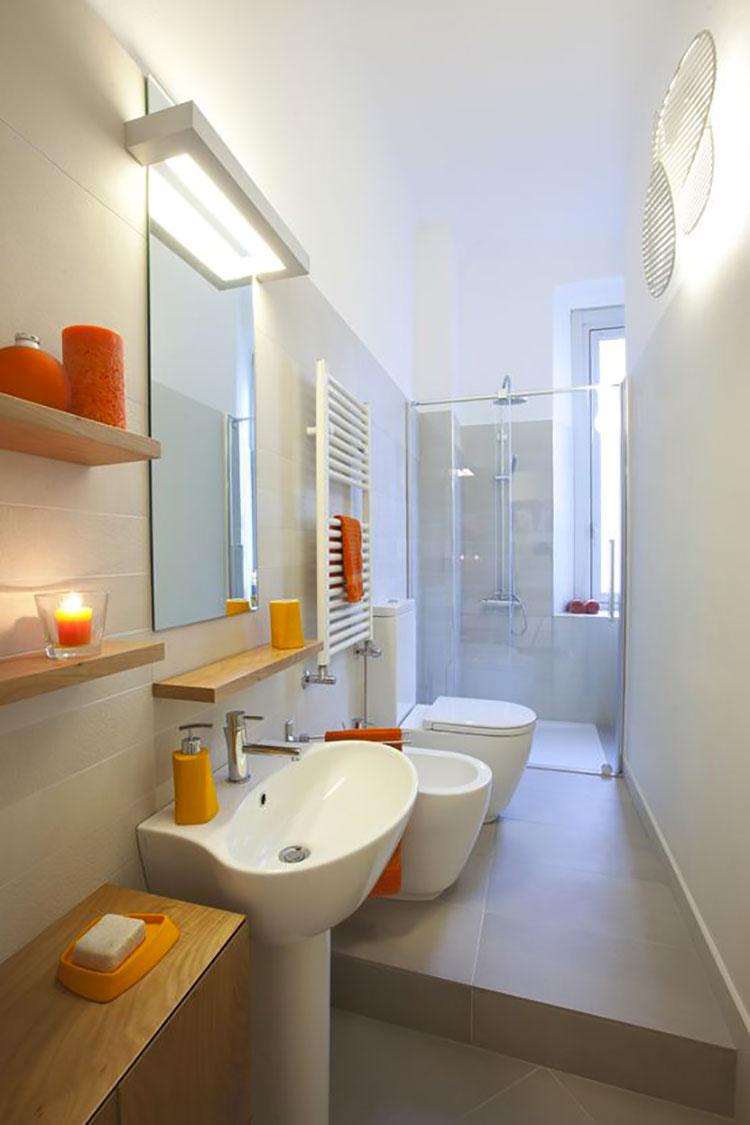15 idee di design per arredare un bagno stretto e lungo - Bagno moderno piccolo ...