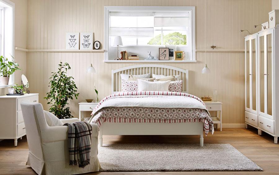 Idee per arredare una camera da letto shabby chic Ikea n.2