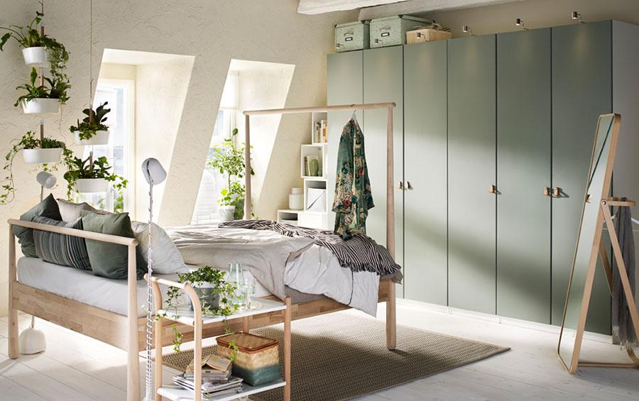 Idee per arredare una camera da letto shabby chic Ikea n.4