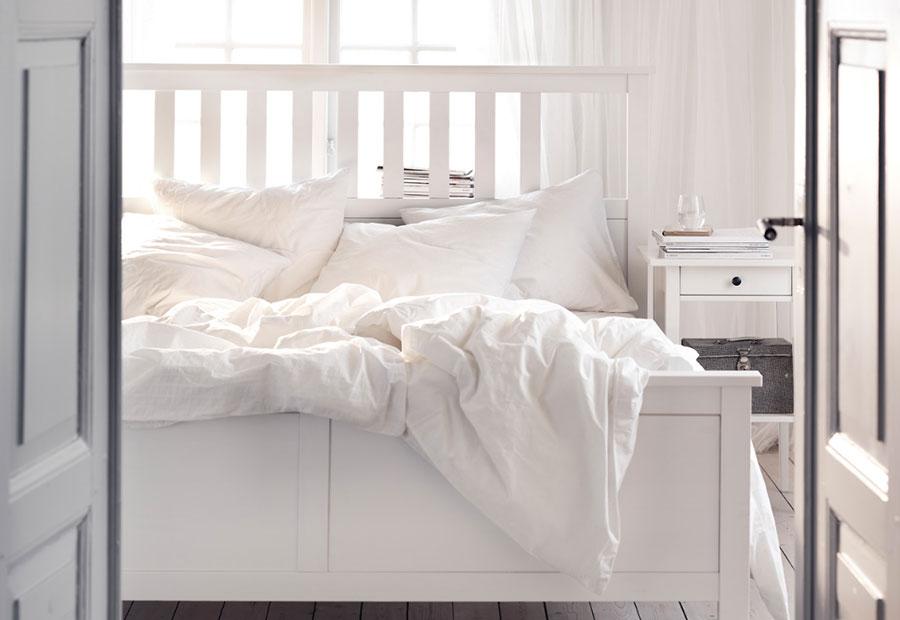 Idee per arredare una camera da letto shabby chic Ikea n.8