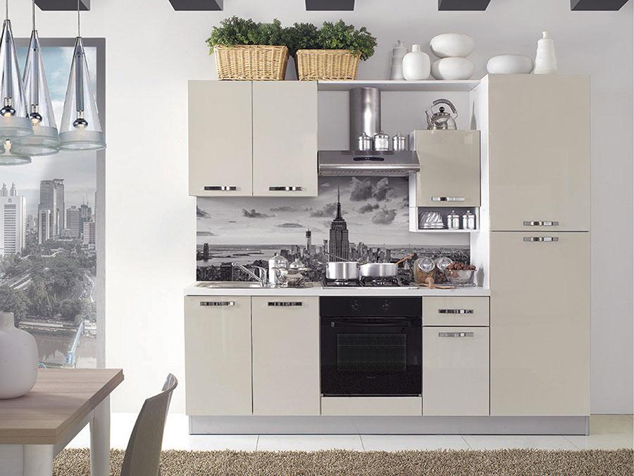 Cucine per monolocale tante idee per un arredamento - Cucine mercatone uno catalogo ...