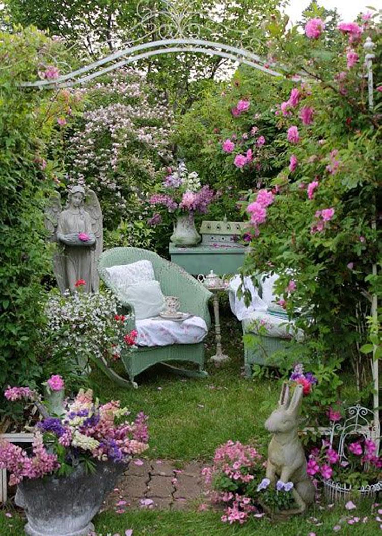 Idee per arredare un giardino shabby chic n.07