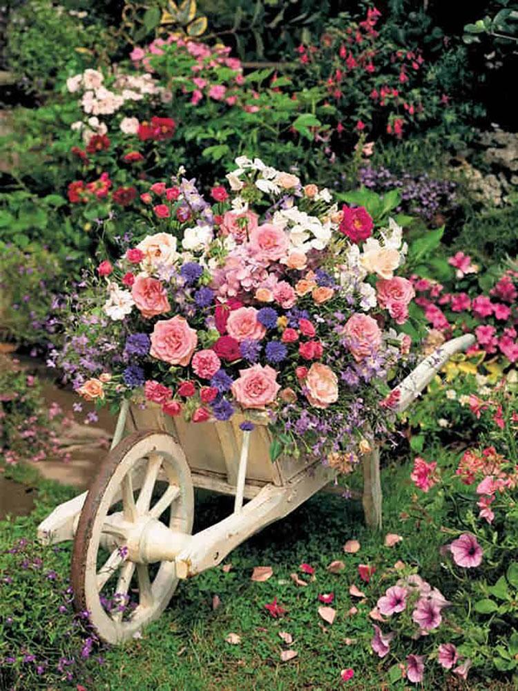 Idee per arredare un giardino shabby chic n.19