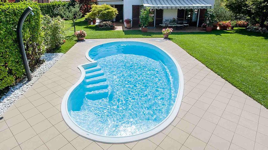 Modello di piscina prefabbricata n.08