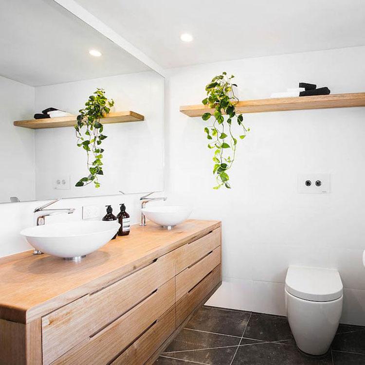 Arredamento per bagno bianco e legno n.08