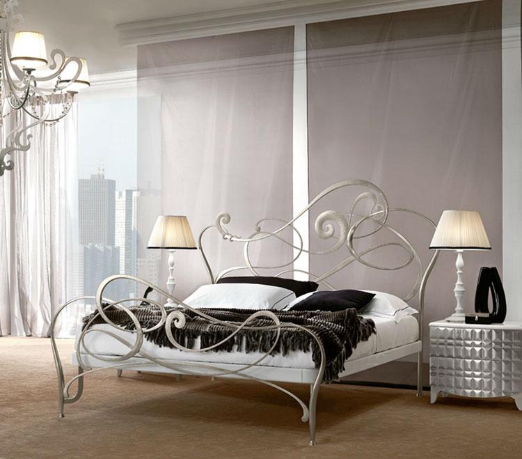Modello di letto matrimoniale in ferro battuto marca Bova 01