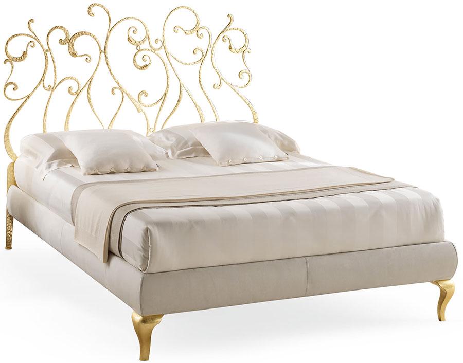 Modello di letto matrimoniale in ferro battuto marca Cantori 01