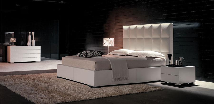 Modello di letto matrimoniale imbottito marca Cattelan Italia 01