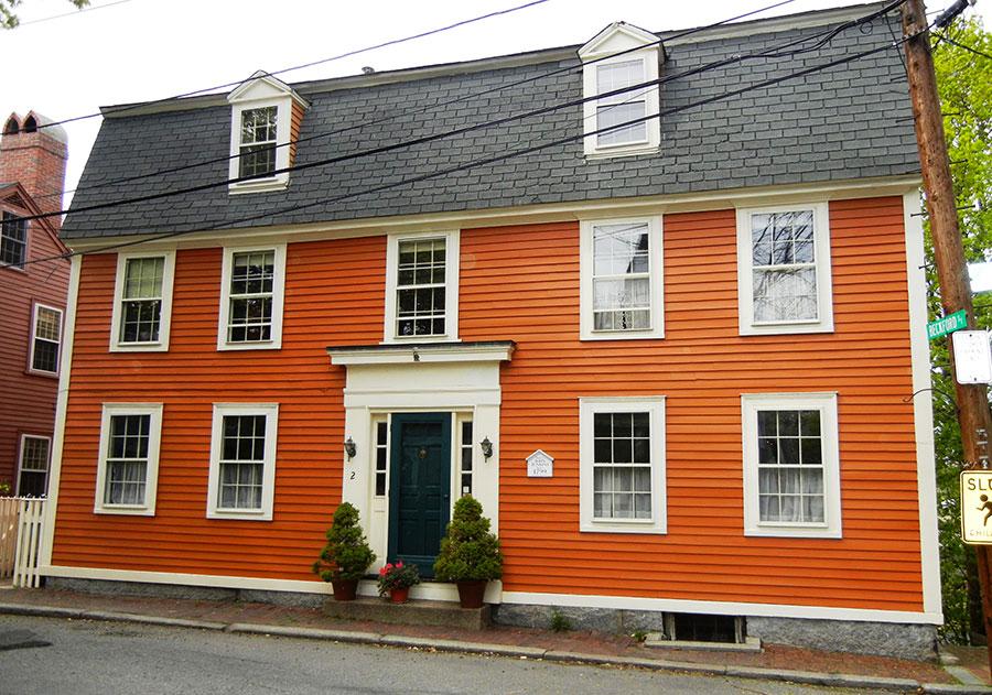 Facciata esterna di colore arancione n.05