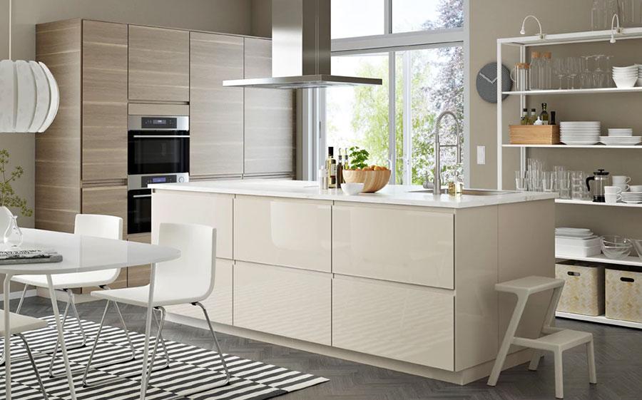Modello di cucina con isola Ikea n.04